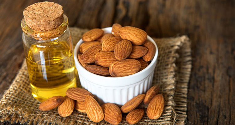 Almond oils to reduce wrinkles
